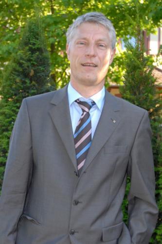 Dr. Dieter Stolz